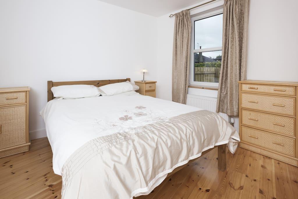 En-suite double bedroom.