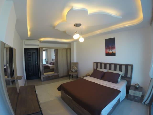 Double bedroom.