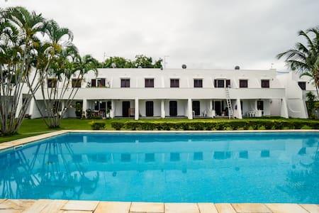 Casa em condomínio pé na praia - São Sebastião