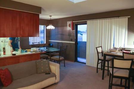Private room w bath near Venice, SM, Culver City.