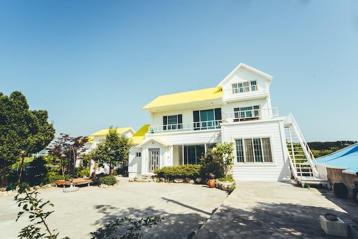 쥬크펜션(본채 1층)4인기준 최대10인 가족,단체