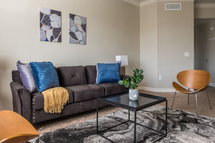 Luxurious Tempe 2BR Apt w/ In-Ground Pool
