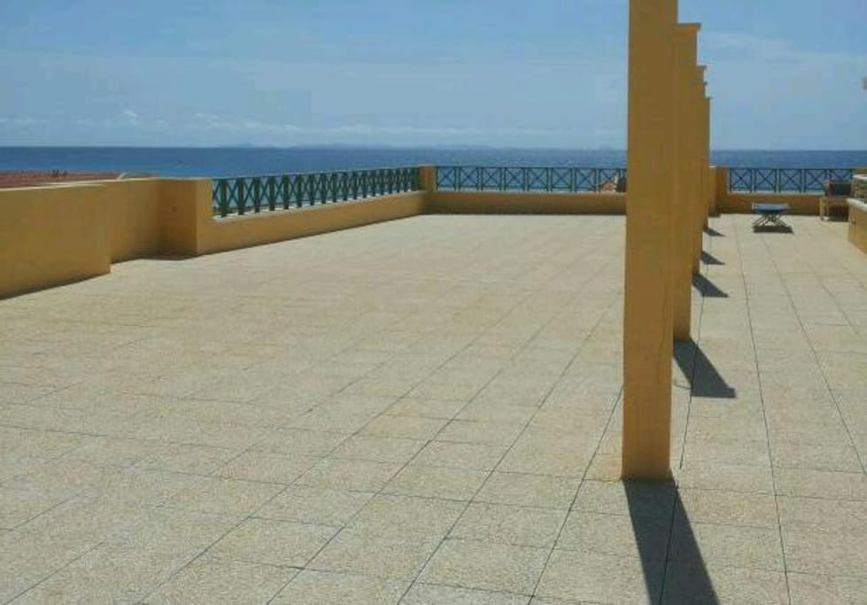 Large common rooftop terrace...breathtaking view!!!