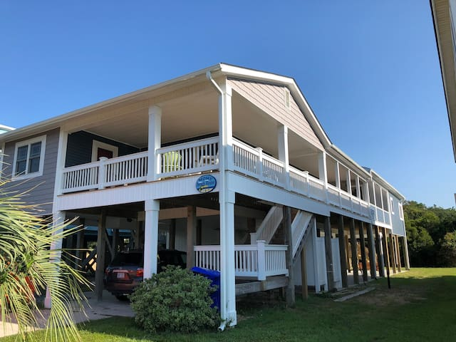 Moms' Beach House-Guest Quarters