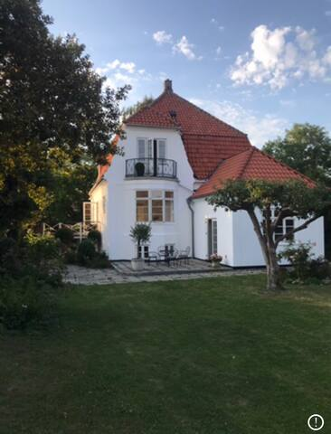 Perfect house for family gatherings close to sea