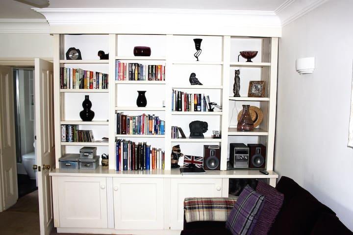 Amazing West Kensington apartment