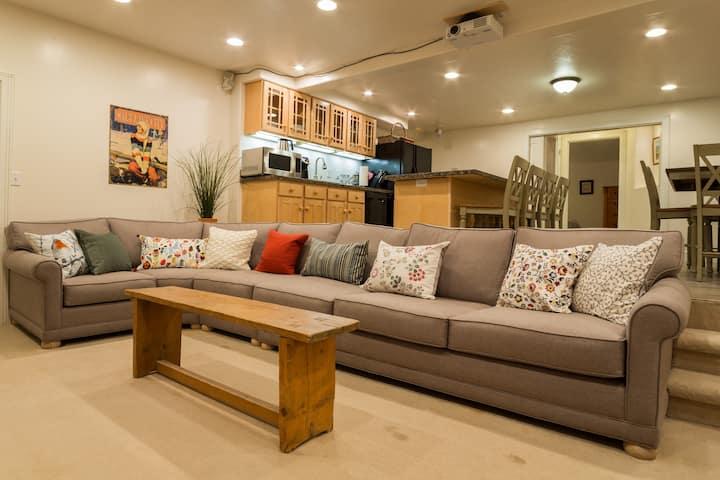 Beautiful Apartment, 15 Minutes to Snowbird/Alta