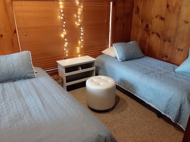 Private room with two twin xl beds