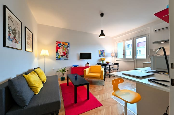 Charming Home in the Heart of Belgrade w/ Parking!