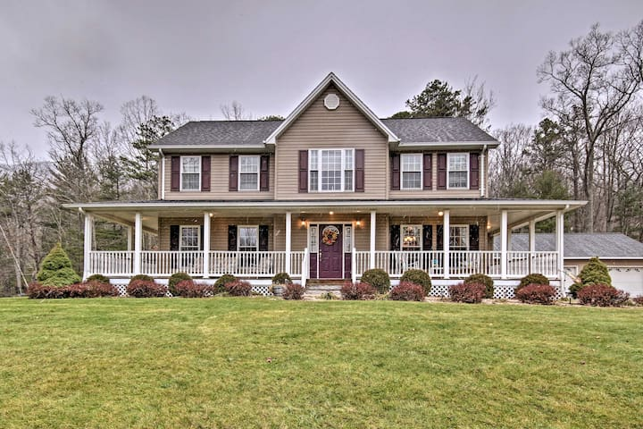 NEW! 4BR Circleville Home - 5 Acres & Mtn Views!