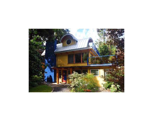 Visit THE WAVE in SCENIC DEEP COVE - Kuzey Vancouver - Daire