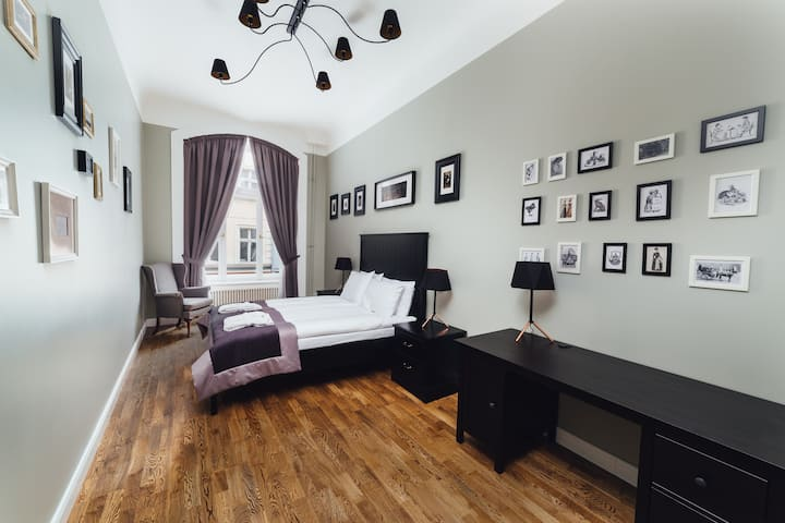 Two-room 55 sqm apartment in Sherlock Art Hotel