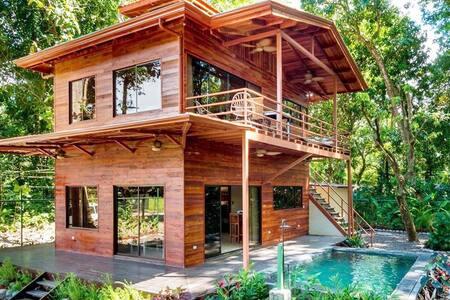 Dharma Bum Bungalow/ Poolside Suite