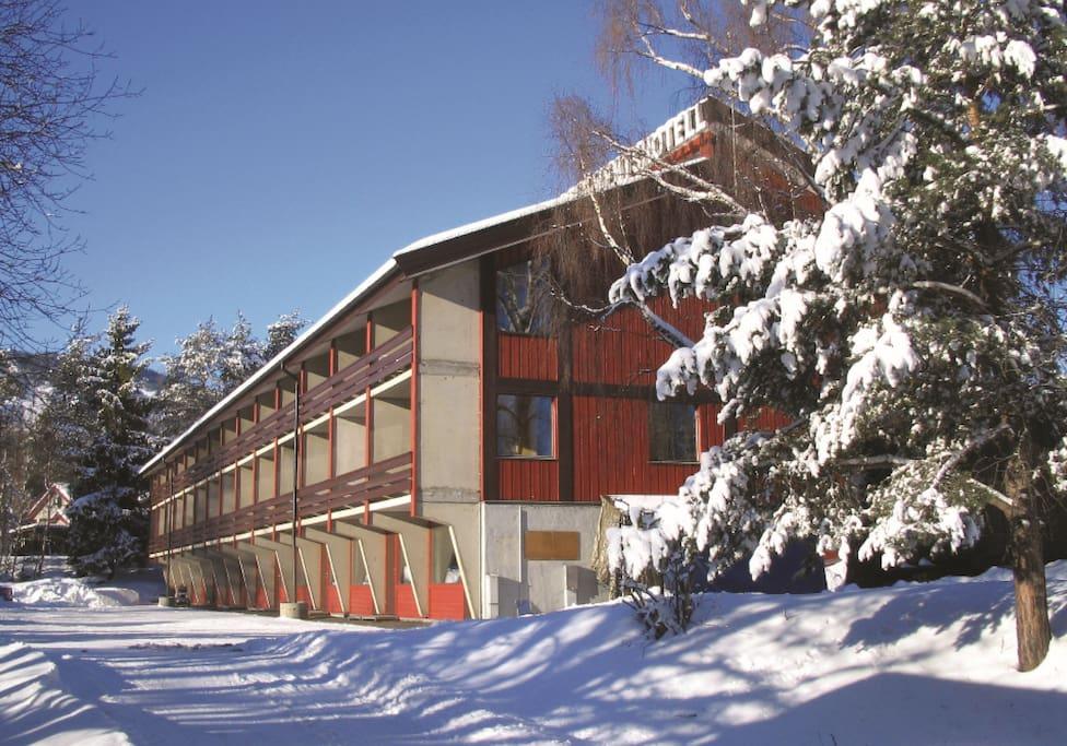 Fasade leilighetsbygg vinter