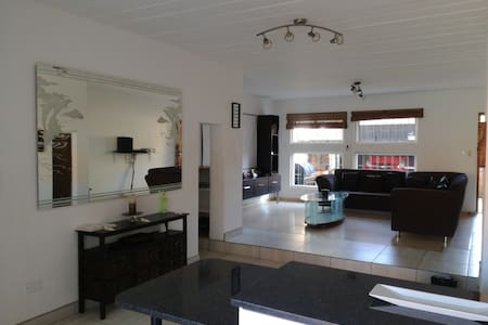 Stylish 2 bedroom duplex