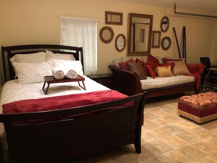 Spacious private 3 rm suite ❤️ of Miami RARE find!