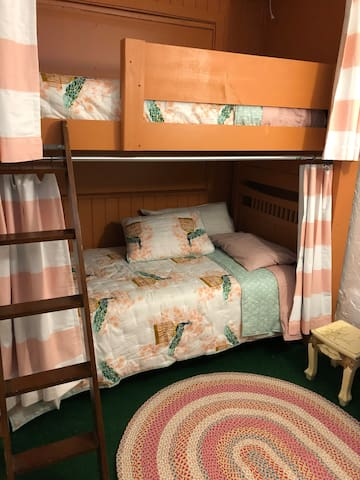 TOP BUNK: $35 Per Bed, Shared 2-person room