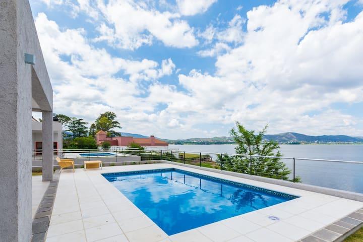 Casas con costa sobre lago - Villa Carlos Paz - Huis