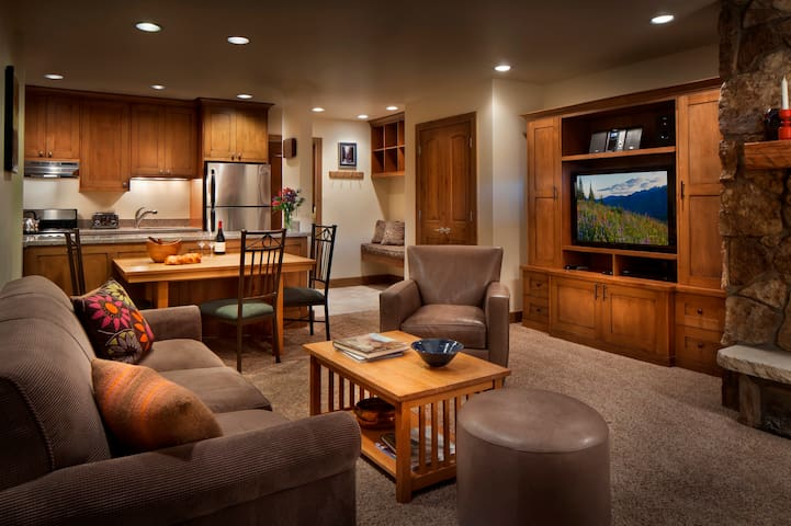 Save up to 30%! One Bedroom Condo at Manor Vail