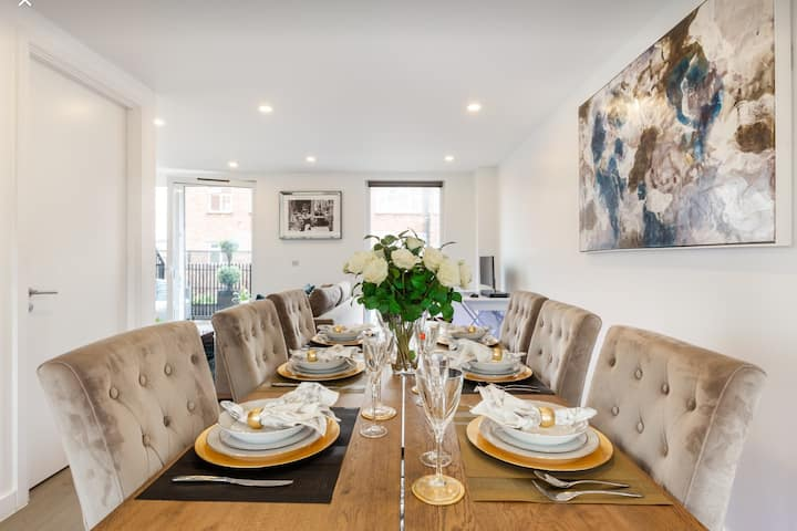 Premier 3 Bedroom Penthouse Apartment