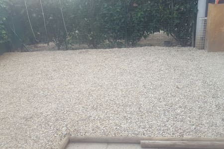 Beau ptit t2 de 45 m2 rez de jardin - Villefranche-sur-Saône