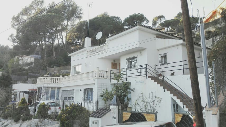 Casa a los cuatro vientos - Argentona - Haus