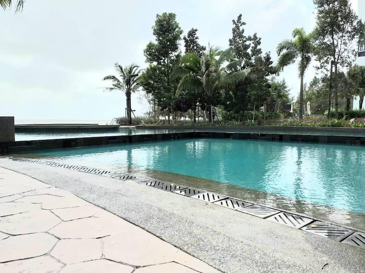 Emelia Studio Suite Timur Bay Seafront Residences