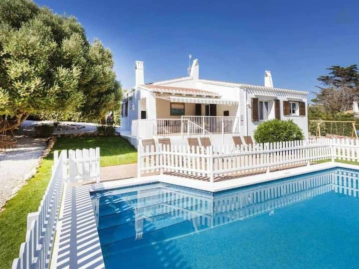 VILLA BINI BELLA Ideal for families with kids, fenced pool, play game area