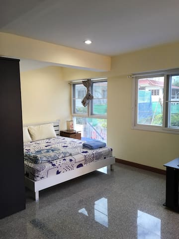 [2A] Spacious room near BTS Udom Suk