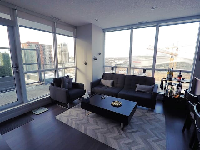 Arena/Ice District - Brand New Downtown Condo! - Edmonton - Appartement en résidence