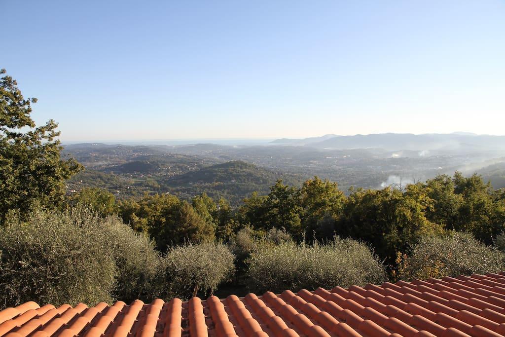 Vue plein sud et panoramique sur la mer Méditerranée