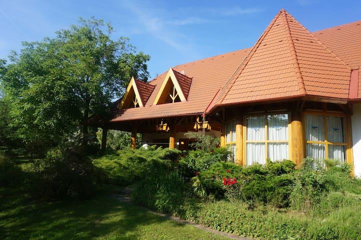 Kiskuti Guesthouse