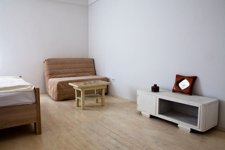 Room in a 4-Bedroom Rural House in Crmnica. - Virpazar - Ev