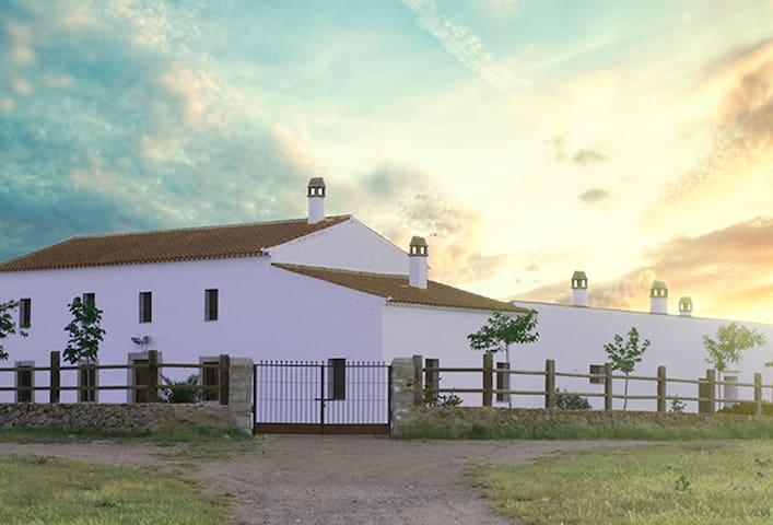 Cortijo La Panadera (Córdoba) - Pedroche - Ev