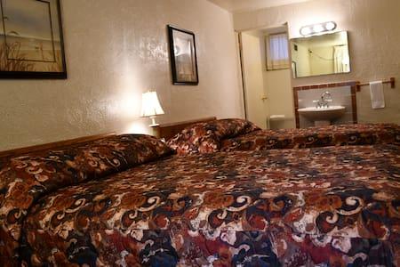 Retreat at the Hopwood Motel