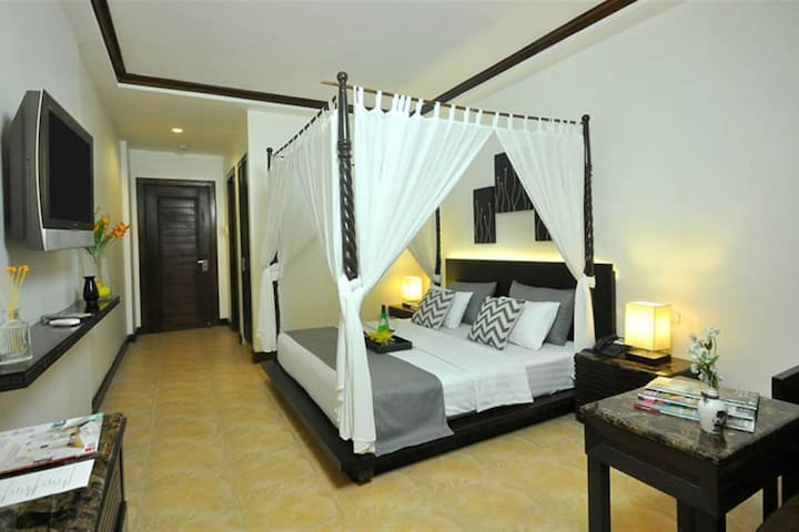 Clean and Comfortable Superior Room