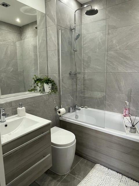 Morden Luxury 1 makuuhuone(parivuode) kylpyhuone, keittiö