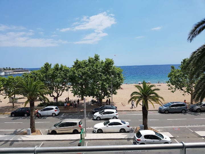 APPARTEMENT  FACE MER- ON THE BEACH-RIVIERA