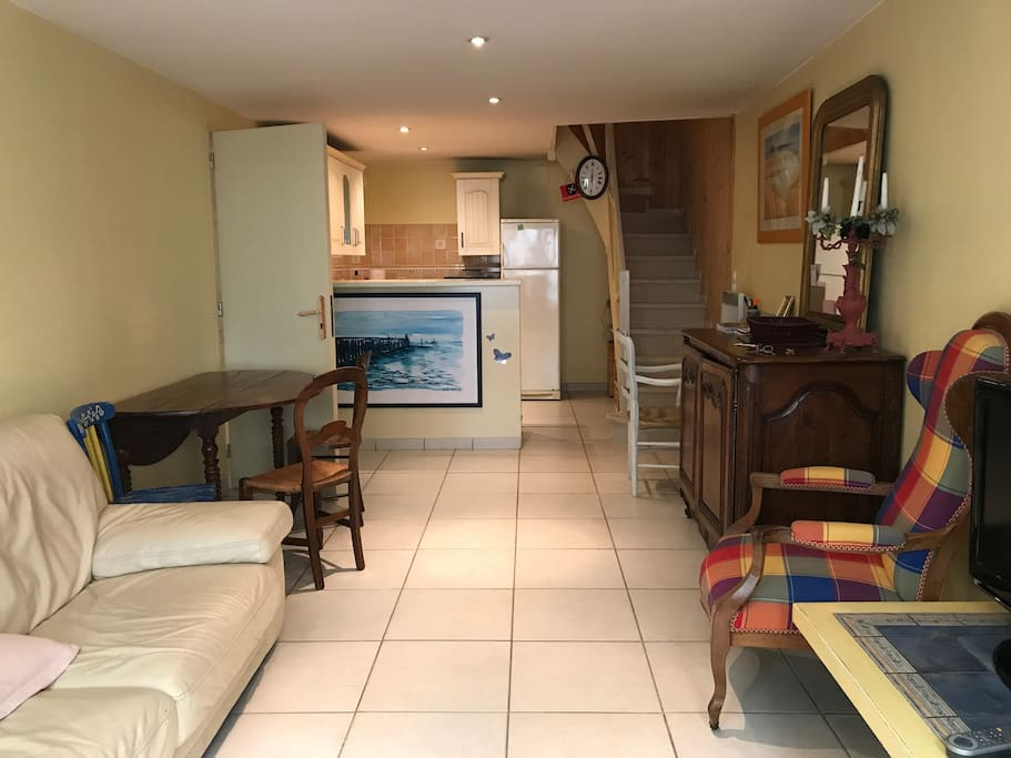 Appartement et son garage dans le triangle d 39 or flats for Appartement bordeaux triangle d or