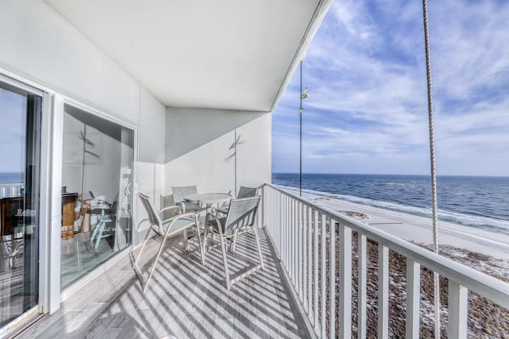 Coastal condo w/ shared, outdoor pool, indoor pool w/ hot tub, & relaxing sauna