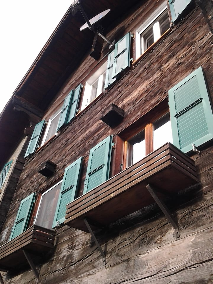 Ruhige, grosse Wohnung in Hohtenn
