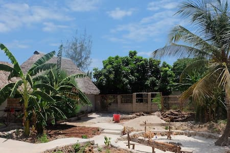 Bungalow to rent in a guesthouse - Kendwa - Bungalow