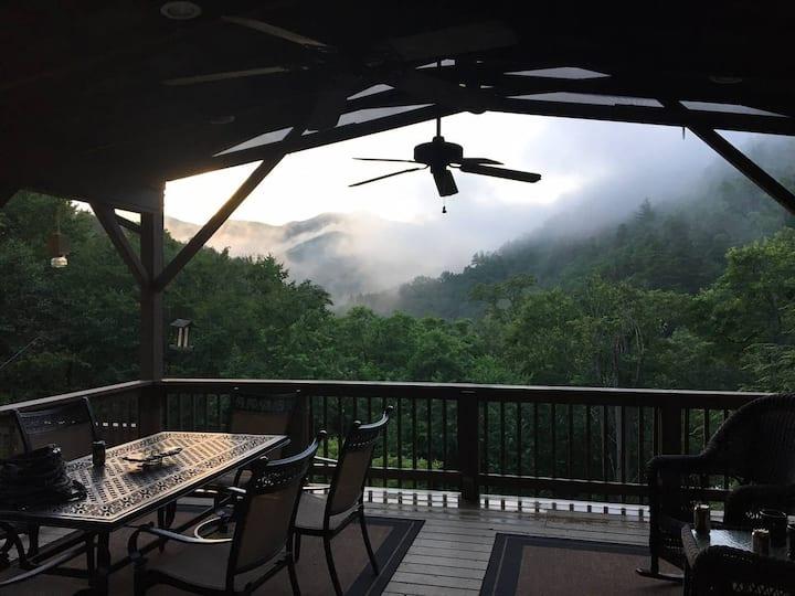 Lost Cove Lodge - a Peaceful Mountain Retreat