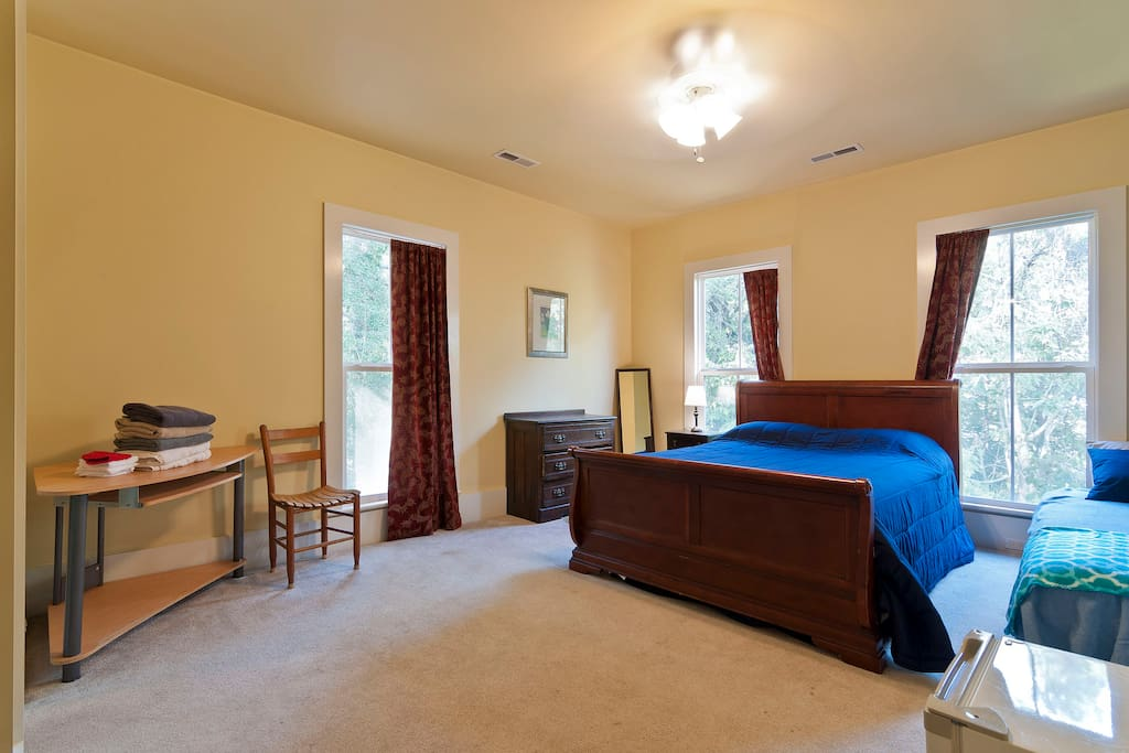 Quaint Room Private Bath On Second Floor Houses For Rent In Chattanooga Tennessee United