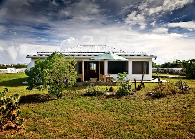 Salt Cay's Salt Hill House
