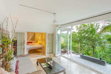 Royal Private Pool Villa 2 with stunning view - Ubud