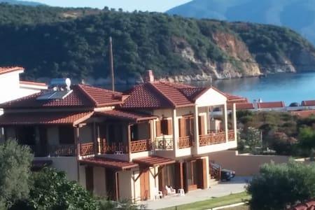 Villa Calypso Suite 1 - Ierissos - 公寓