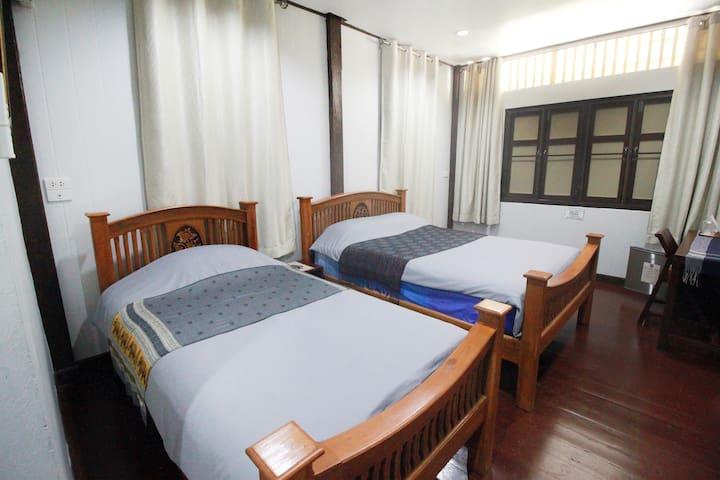 บ้านอบอรุณ (OB-ARUN House) (Room No.1)