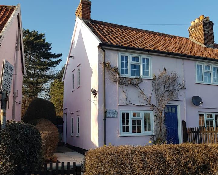 3 Ebenezer Cottage, Westleton - 3 miles to beach