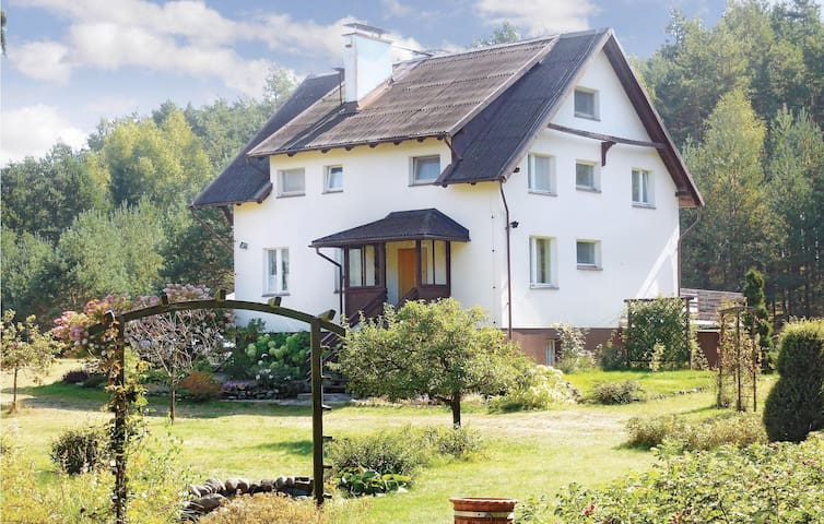 Holiday cottage with 4 bedrooms on 200 m² in Dziemiany